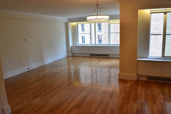 Giant 1BR Steps to Central Park...No Fee